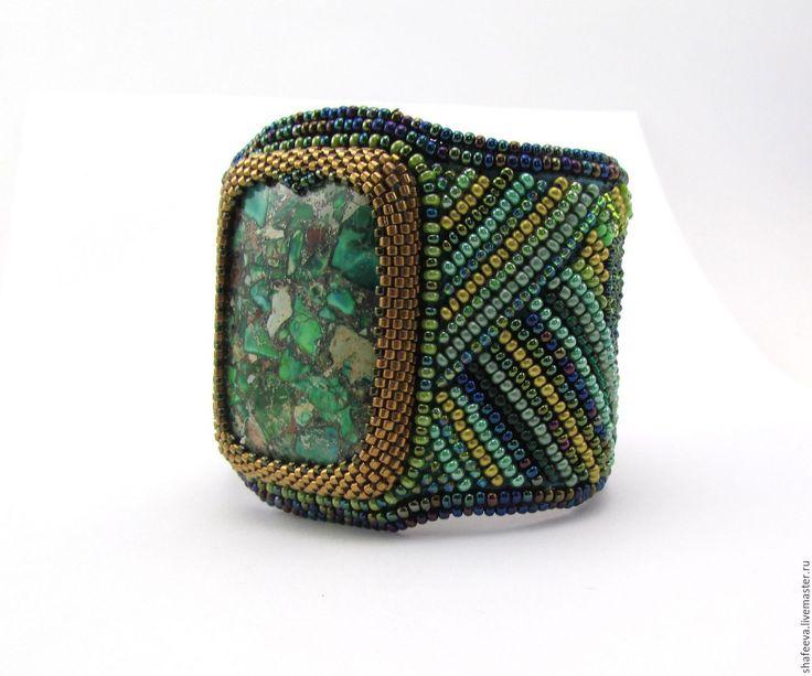 Купить Браслет - Лесная чаща - зеленый, браслет, браслет из бисера, браслет с камнем, вышитый браслет