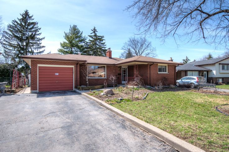 3 Bedroom, 2 Bathroom, #Ranch with #Garage & #GrannySuite in Ridgeview Heights!  - $224,900 - www.LondonOntarioRealEstate.com -   #RealEstate #ForSale in #London by #Realtor