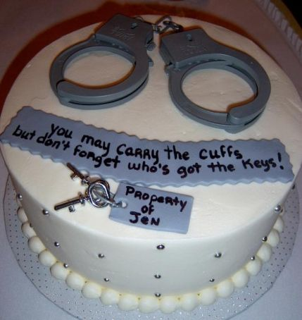Funny Groomsman cake, police humor, handcuff cake, groom cake, wedding humor, funny wedding ideas themarriedapp.com hearted <3