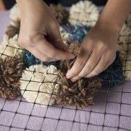 alfombra hecha sobre una base http://www.pinterest.com/midalas/