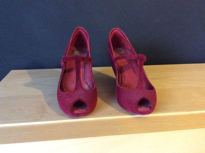 Sandálias Melissa bordeaux tamanho 37 Em muito bom estado, estou a vender porque estão um pouco grandes