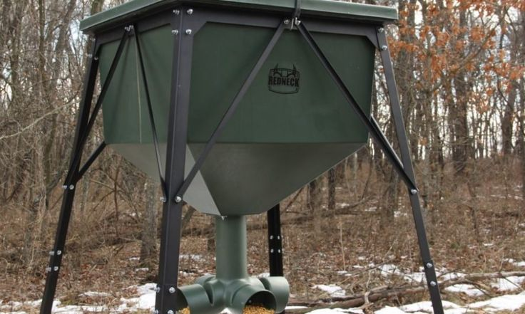 What are the 8 Best Deer Feeders?