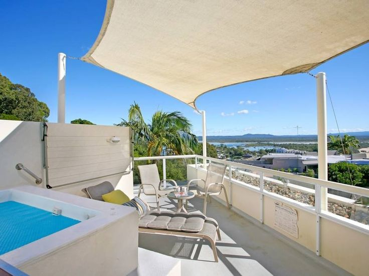 Entire home/apt in Noosa Heads, AU. Located high on the hill at Little Cove, Noosa Heads, you'll feel like you're on top of the world in this gorgeous boutique style penthouse apartment. Surrounded by Noosa National Park, with stunning views over Laguna Bay and the Noosa Hinterland. Rooftop spa $295 night
