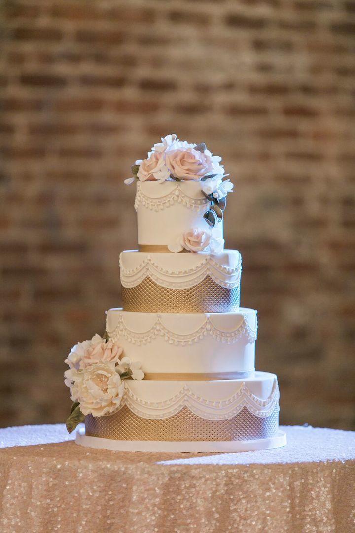 wedding cakes in lagunbeach ca%0A Soft and Romantic California Wedding in Napa Valley