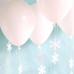 Winter Wonderland DIY Snowflake Balloons