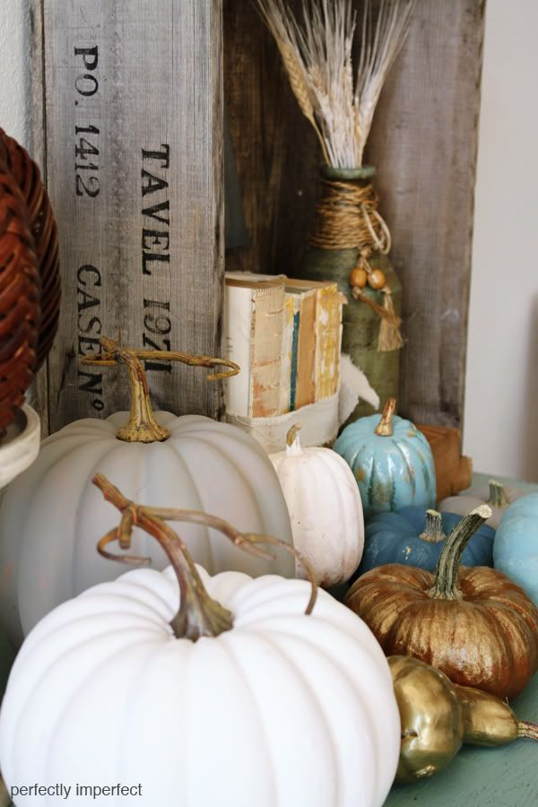 chalk paint pumpkins via @Perfectly Imperfect (Shaunna West)
