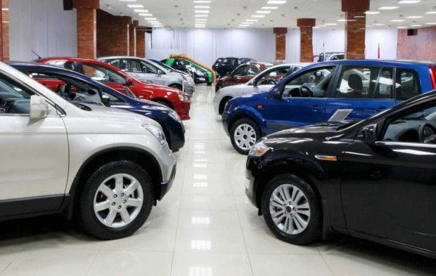 المغرب 4 9 نموا سنويا بمبيعات السيارات الجديدة صورة أرشيفية Car Buying Car Showroom New Cars