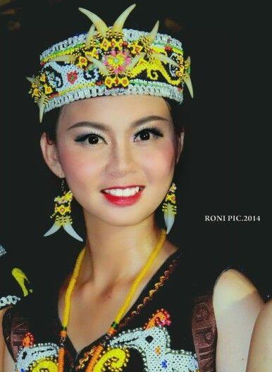 Kecantikan gadis dayak kenyah #dayakkenyah #dayakkenyah #borneo #sukudayak #malinau #sungaibahau