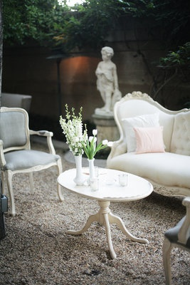 friggen loveeeee... this was from a shabby chic wedding but i would love for my house