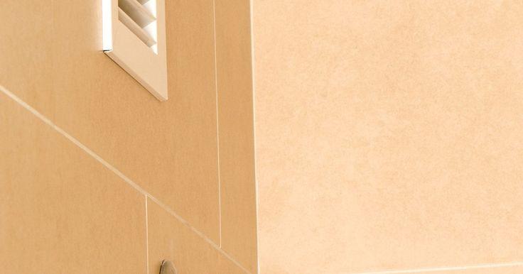 O que é um exaustor de ar para banheiros?. Os exaustores de ar para banheiros são instalados no teto, permitindo que o ventilador dele seja acionado através de um interruptor elétrico na parede. Apesar de algum desses exaustores possuírem diferentes níveis de ruídos e acessórios, como luzes ou aquecedores instalados na unidade, todos eles realizam a mesma função básica.