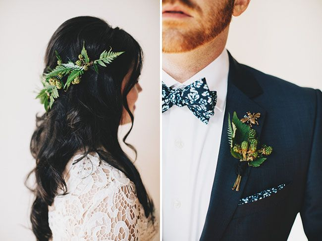 Nice lapelpin on the groom, likeur the bride's hairpiece