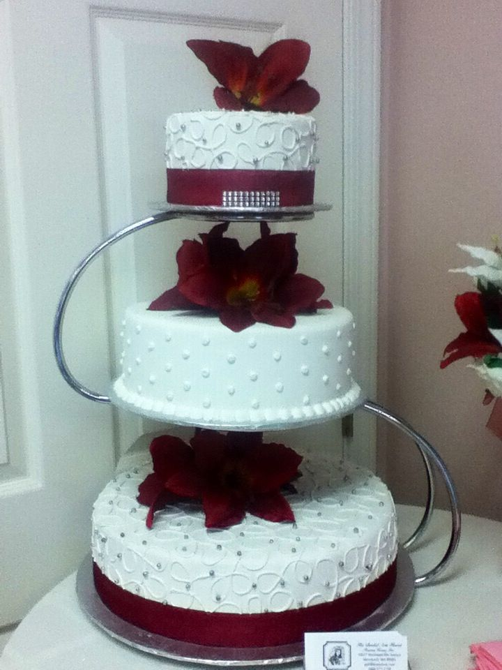Maroon Color Wedding Cakes