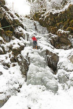 Eisklettern für Anfänger im Untersulzbachtal in Neukirchen, Nationalpark Hohe Tauern, Pinzgau, Salzburgerland www.alpindis.at