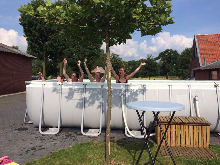 19 juli 2015 mega zwembad op mini camping. Ook in 2016 weer!!
