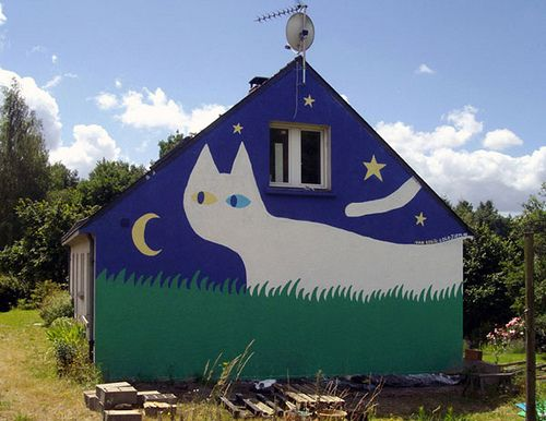 Turkish Van Cat painted on a house in Nantes