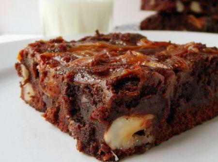 Brownie de Cacau e Doce de Leite - Veja mais em: http://www.cybercook.com.br/receita-de-brownie-de-cacau-e-doce-de-leite.html?codigo=15693