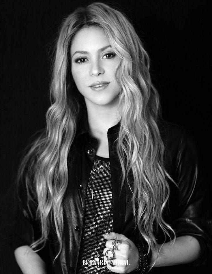 LAS CADERAS TABASCO: Nueva Foto: Shakira sesión de fotos de Bernardo Do...