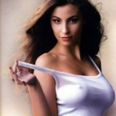 Ilaria Porceddu: very beautiful, good singer, and with wonderful eyes (Click to listen)