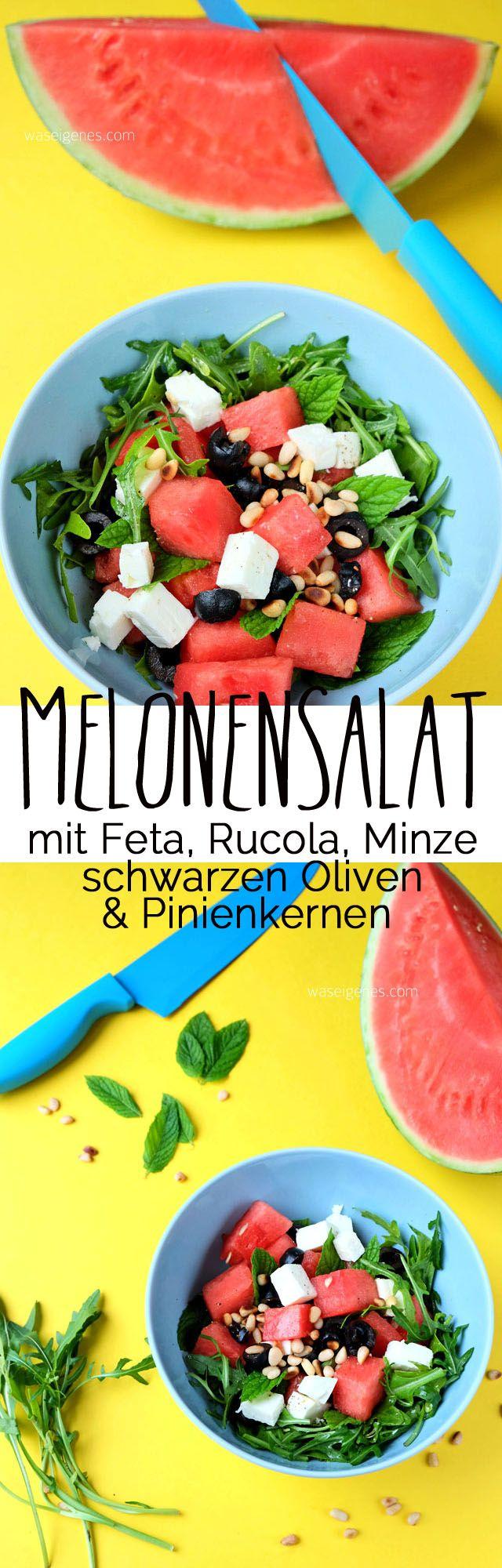 Sommersalat: Melonensalat mit Feta, Rucola, Minze, schwarzen Oliven & Pinienkernen