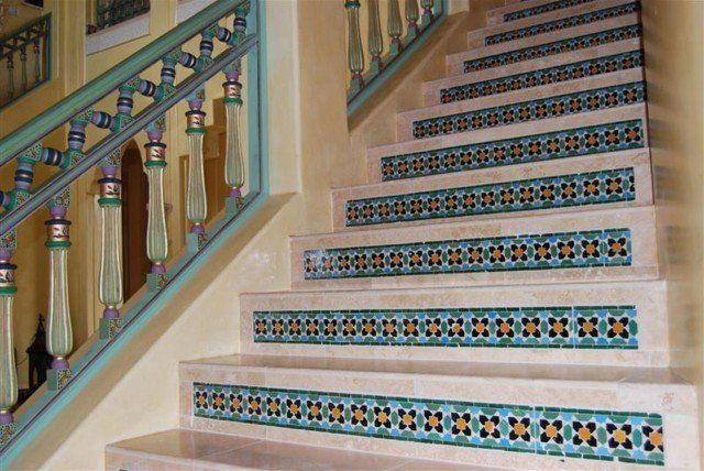 Лестница. Марокканская плитка в интерьере: 55 колоритных примеров