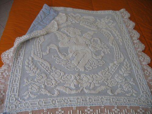 Corredino! - Coperta di cotone bianca e azzurra fatta all'uncinetto dalla nonna paterna