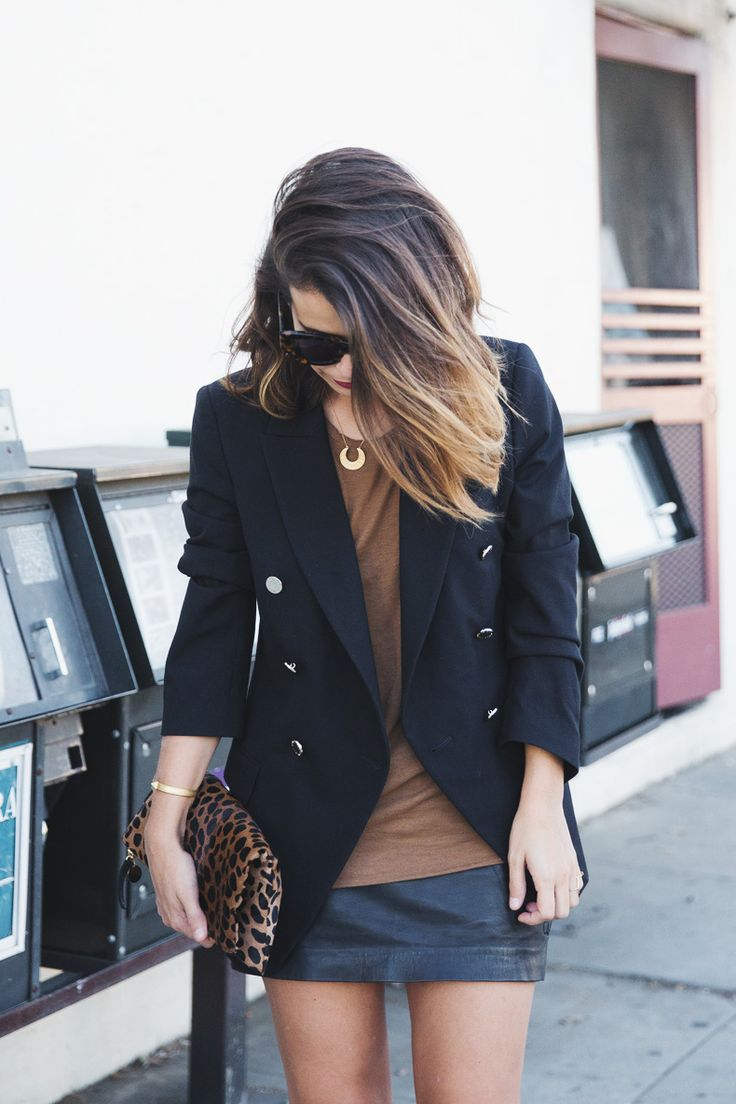 Leopard_Clutch-Clare_Vivier-Blazer-Senso_Sandals-Leather_Skirt-Outfit-Street_Style-1