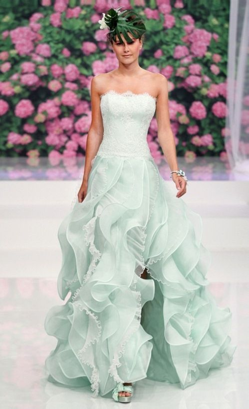 Mint hue of dress, but in other style... Abiti sposa 2013 di Atelier Aimee Montenapoleone