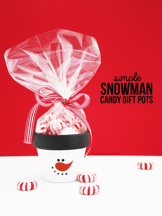 DIY Simple Snowman Candy Gift Pots! Perfect for a holiday party favor or secret santa gift! More details at livelaughrowe.com: