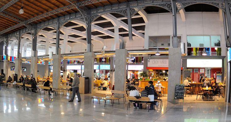 Mercado Agricola Montevideo interior plaza de comidas - Mercado Agrícola de Montevideo - Wikipedia, la enciclopedia libre