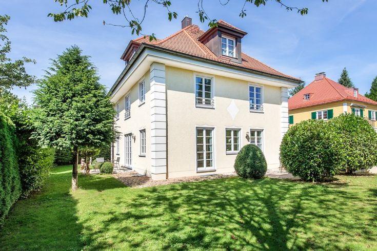 Großzügiges Einfamilienhaus im Stil der 30er Jahre mit
