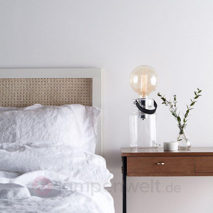 Der Trend zum sichtbaren Leuchtmittel – auch auf dem Nachttisch ein besonderes Highlight. #Vintage-Stil #Vintage #LED #Filamentlampe #LEDFilament #EdisonLampen #Industriell #Industrial #Retro