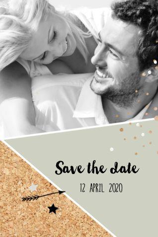 lovz.nl   Nieuwe save our date kaart met kurk pijltjes sterren en eigen foto. Upload je eigen foto en maak je eigen tekst, keuze uit meerdere lettertypes.