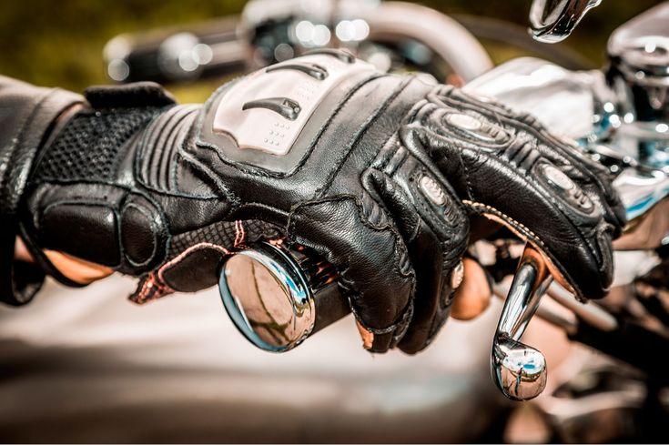 Conoce algunos de los guantes de moto de invierno, además de protegerte del frío lo harán de las caídas: protecciones, membrana Gore-tex, forro térmico...
