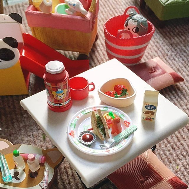 今日のお昼  ワンプレートランチ  #mini #サンドウィッチ #サンドイッチ #タコさんウィンナー #たこさんウインナー #ピッグ #アルミホイル #ケチャップ #幼児牛乳 #幼児食プレート #幼児食メニュー #いちご #すべり台 #rirakuma #水筒 #シナモン #sanrio #サンリオ#ムーミン #moomin