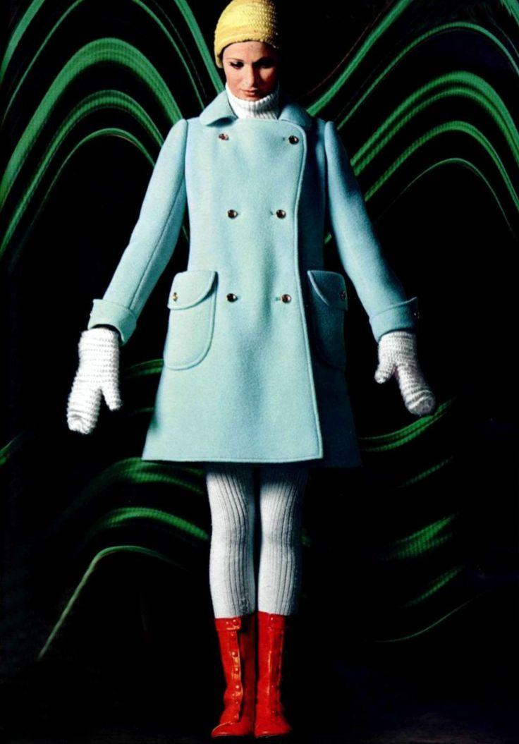 Powder blue + red Courreges, L'officiel magazine, 1969