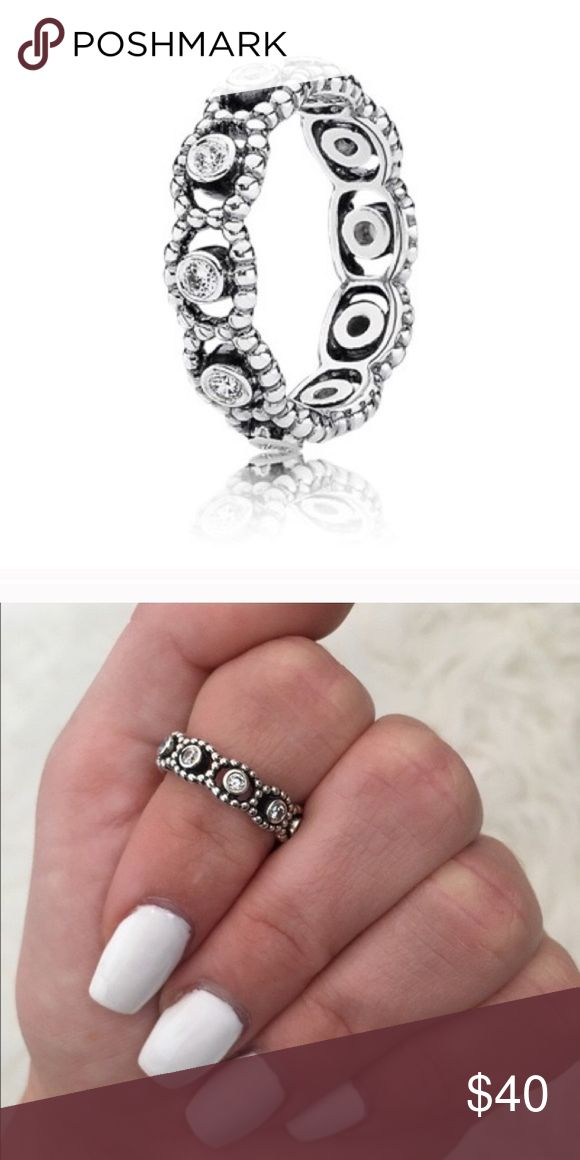 Pandora Her Majesty ring Size 5! Does not fit me so I need to sell, bought at the pandora store! Pandora Jewelry Rings