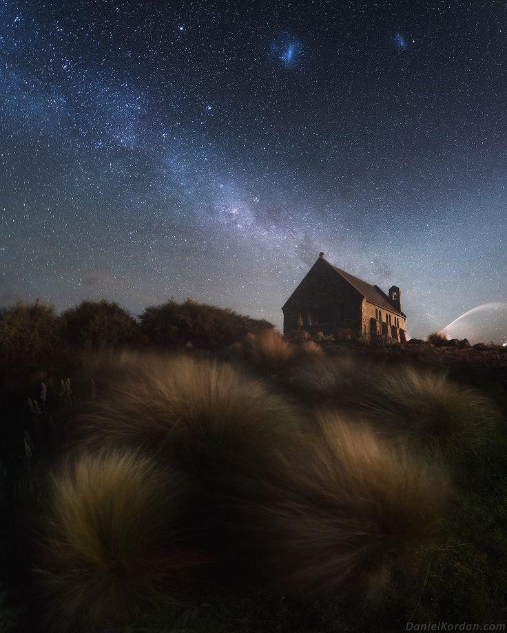 Даниил Коржонов  В эту ночь дождь молотил по крыше дома в Новой Зеландии на озере Текапо почти непрерывно.