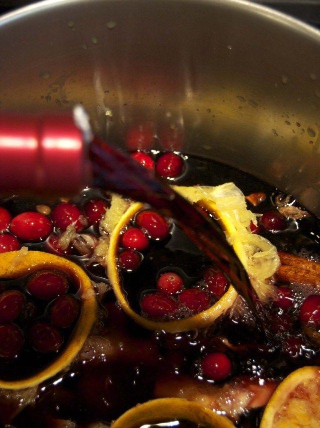 Warm Winter Wine GLUVINE (GLÜHWEIN)