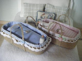 miniature baby baskets - tutorial with pictures