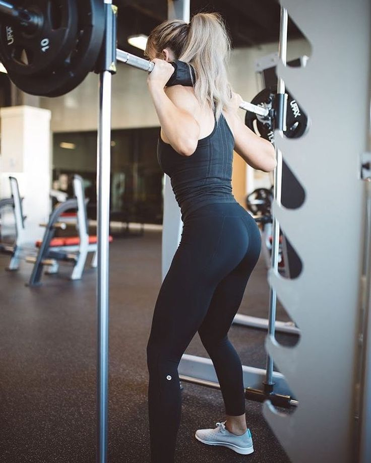 Booty workout #workouts #candiceswanepoel #fitness #fitnessmodel #fitnessmotivation #model #workouttime #workoutphotography #healthybody #bootylicious