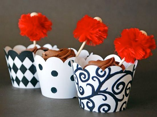 Cupcake Couture http://thecupcakedailyblog.com/