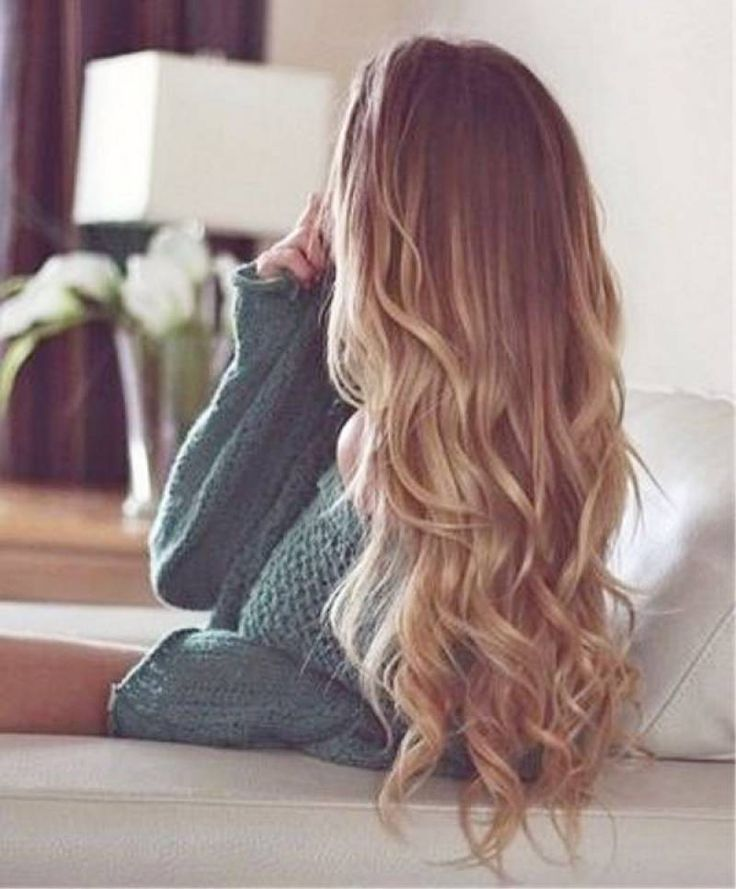 Amazing!! These loose curls are perfect for a day out on the town, or a cozy night in! What is your favorite versatile hairdo?! #hairgoals
