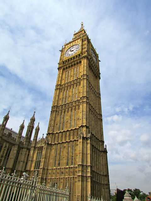 Big Ben - This iconic building is amazing to look at, it's grand and magnificent presence makes it a world famous attraction. The amazing gold colour of Big Ben makes it stand out and it is one of the busiest landmarks in London.