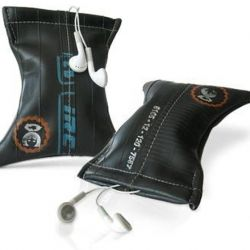 KaWeDe  a nice MP3-player bag made of bicycle inner tubes