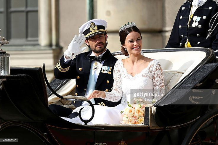 Prince Carl Philip of Sweden and his wife Princess Sofia of Sweden ride in the wedding cortege after their marriage ceremony on June 13, 2015 in Stockholm, Sweden.  (Photo by Ragnar Singsaas/Getty Images)