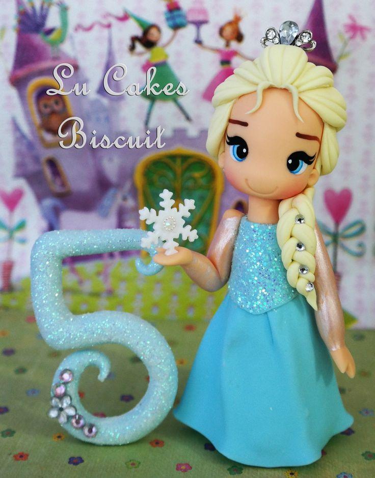 Topo de bolo Elsa Frozen  Com aproximadamente 12 cm de altura  Obs: O pavio acompanha o produto
