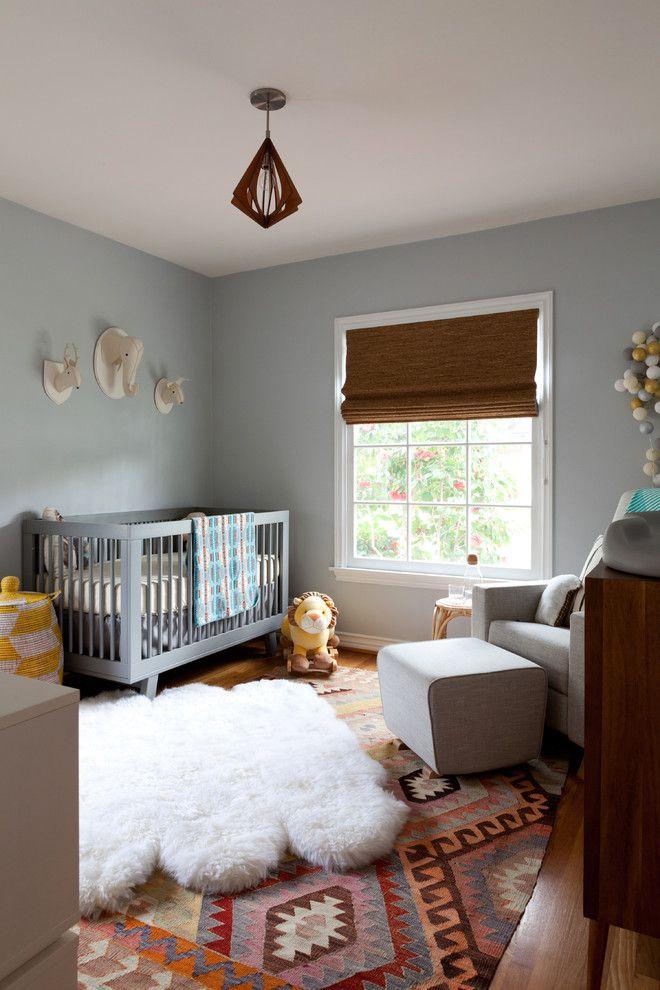 Textures différentes de ces tapis superposés pour la chambre de bébé