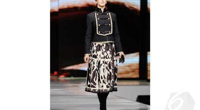 Batik skirt + Military jacket