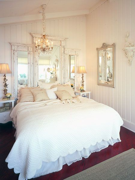 white room: Vintage Mirror, Headboards Ideas, Guest Bedrooms, Shabby Chic, Master Bedrooms, Guest Rooms, Mirror Headboards, Bedrooms Ideas, Chic Bedrooms