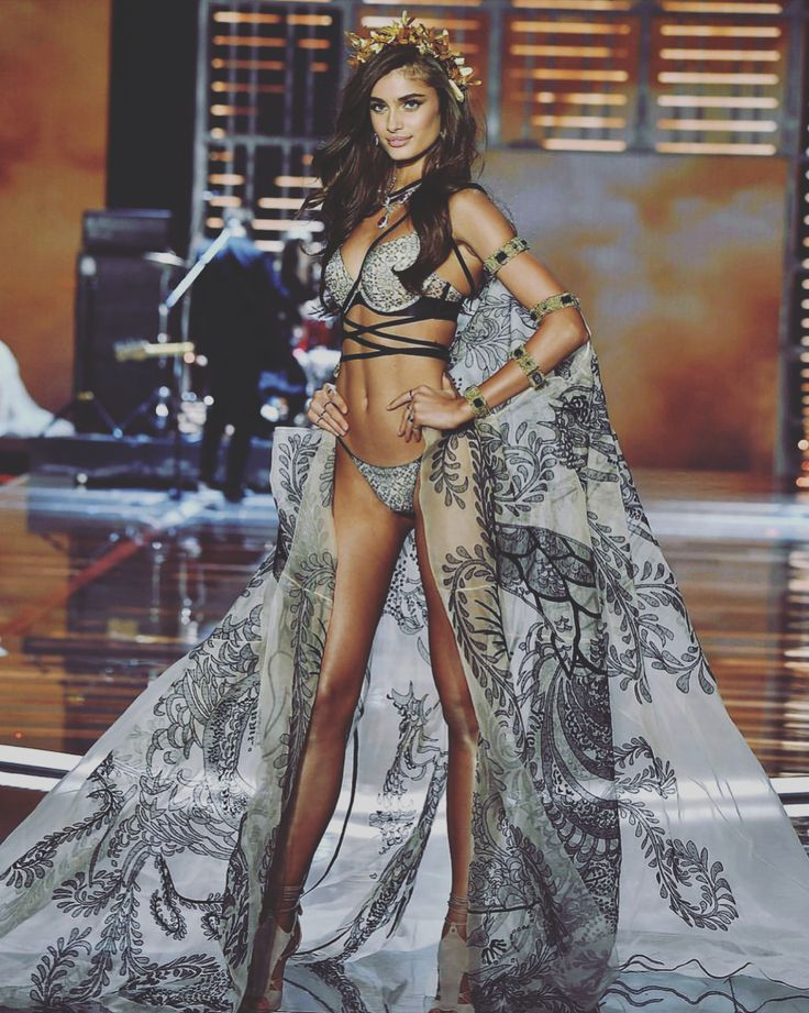 "926k Likes, 5,484 Comments - Taylor Hill (@taylor_hill) on Instagram: ""WHAT!? IS THIS EVEN REAL!! Just walked my FOURTH @victoriassecret fashion show!!! I️ am still…"""